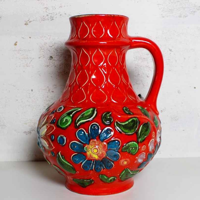 vase w-germany red / flowers