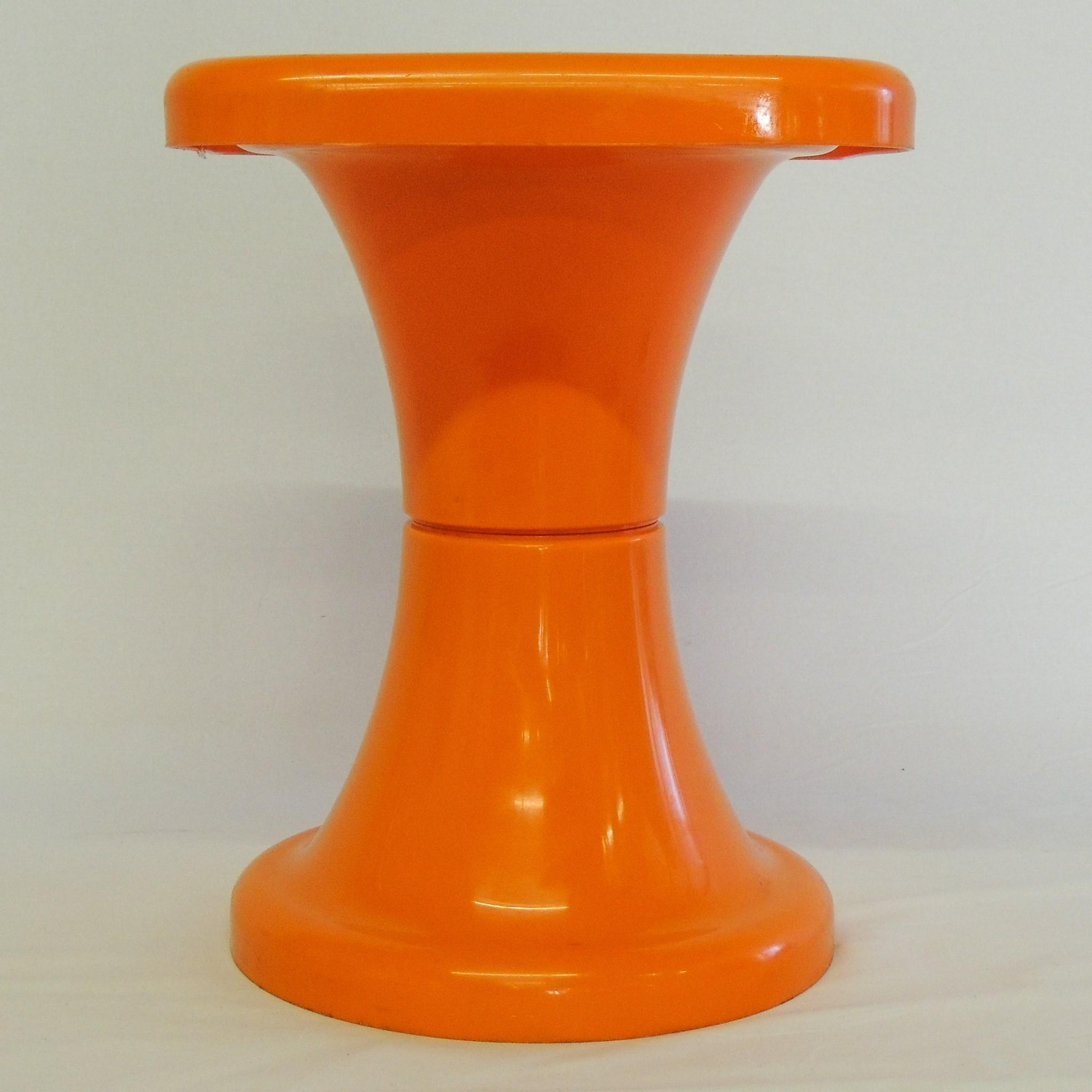 orange space age tabouret