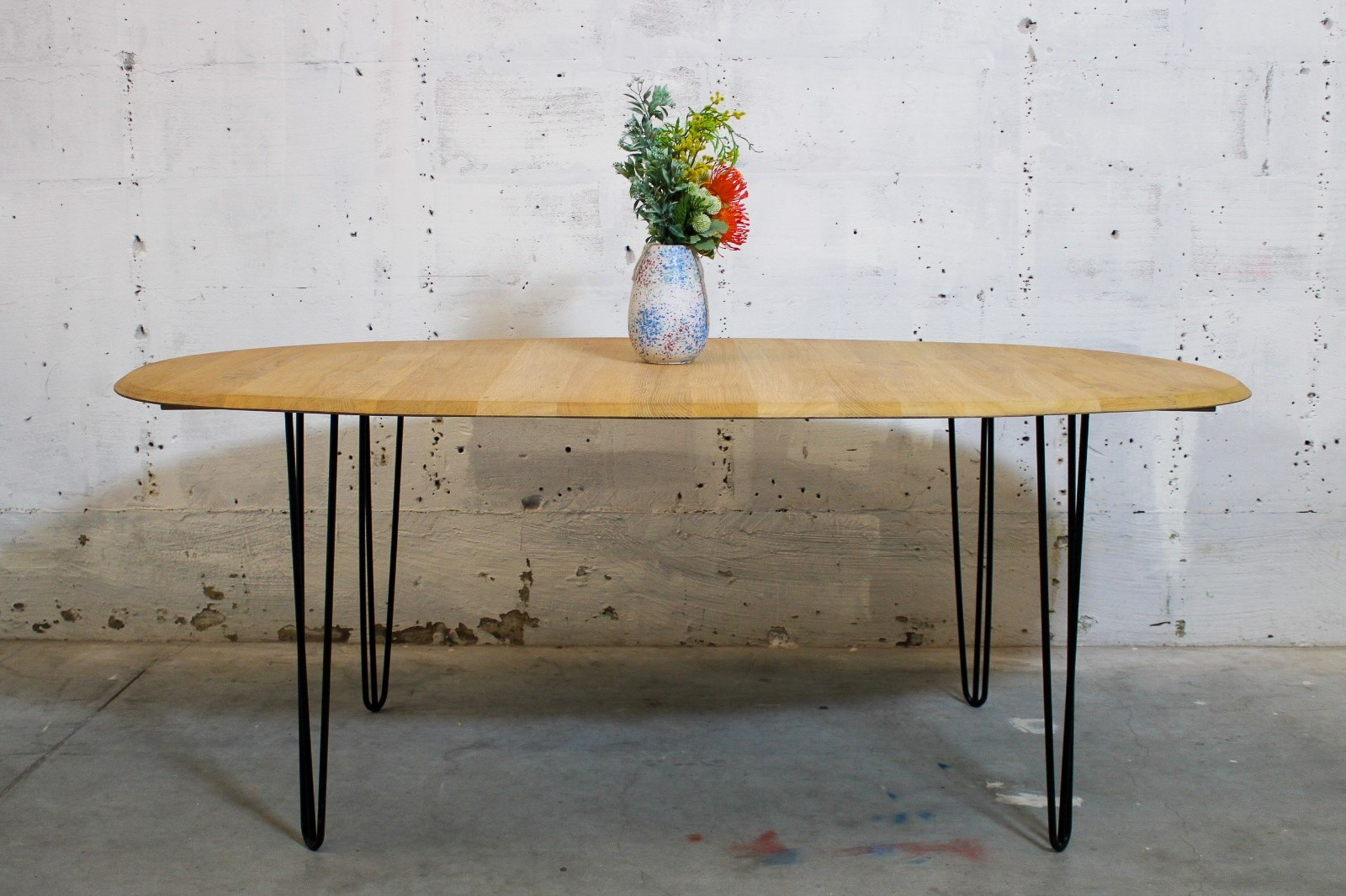 oval oak dinning table