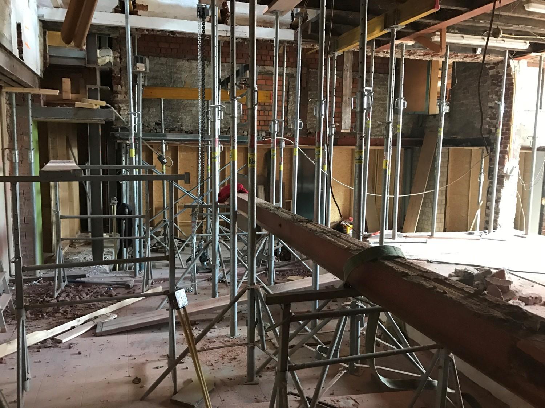 Wil jij je woning een nieuwe look geven? Of de functionaliteit van ruimtes wijzigen, maar staat die ene muur in de weg? Wij verwijderen jouw muur stofvrij. Ontdek hier hoe we dat doen.