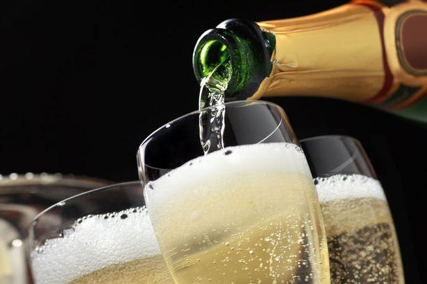 GRATIS FLES PROSECCO PER PERSOON #heerlijke Italiaanse Champagne per boeking