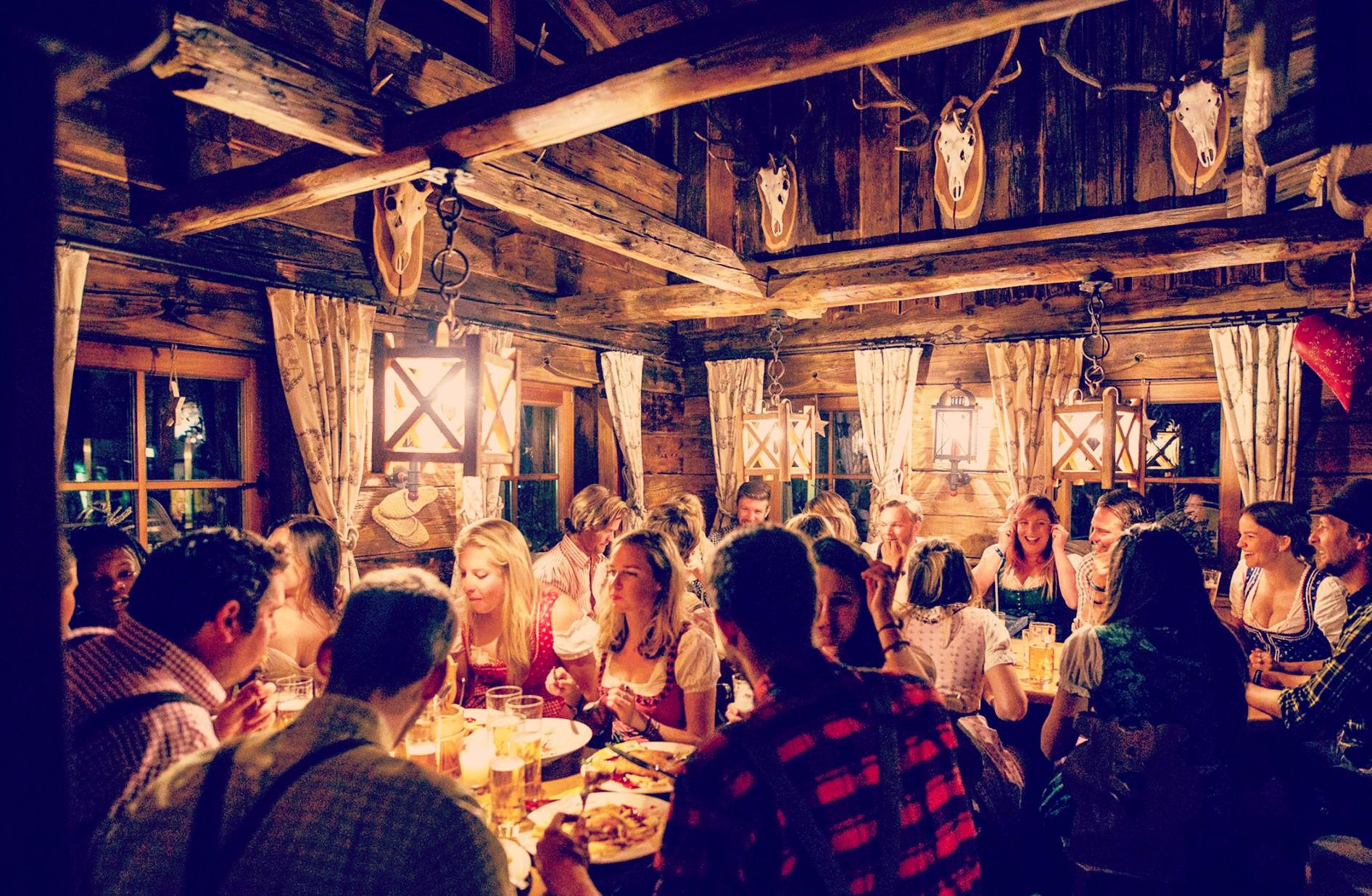 GEZELLIG TAFELEN # traditioneel diner