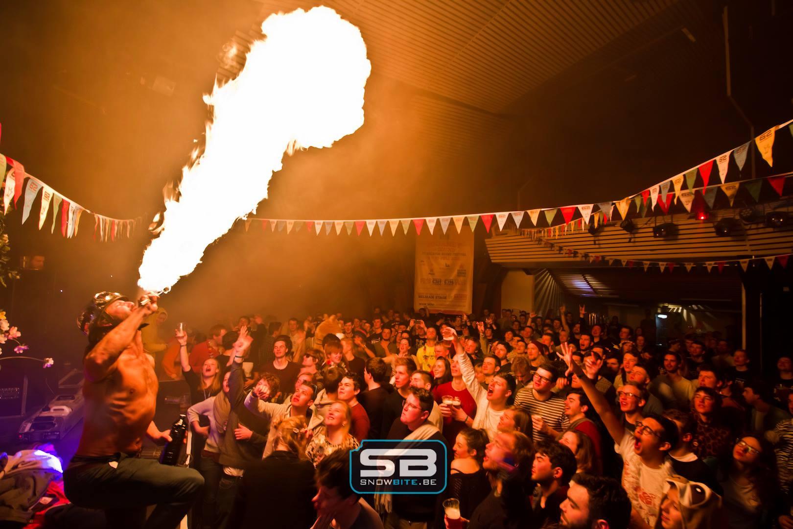 Parties#geheimzinnige feestjes op geheimzinnige plaatsen