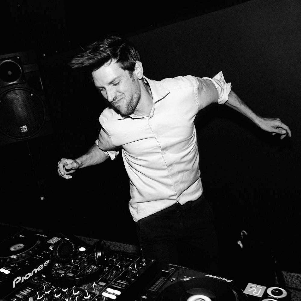 FILEFUIF DJ Shizzle Le Sauvage