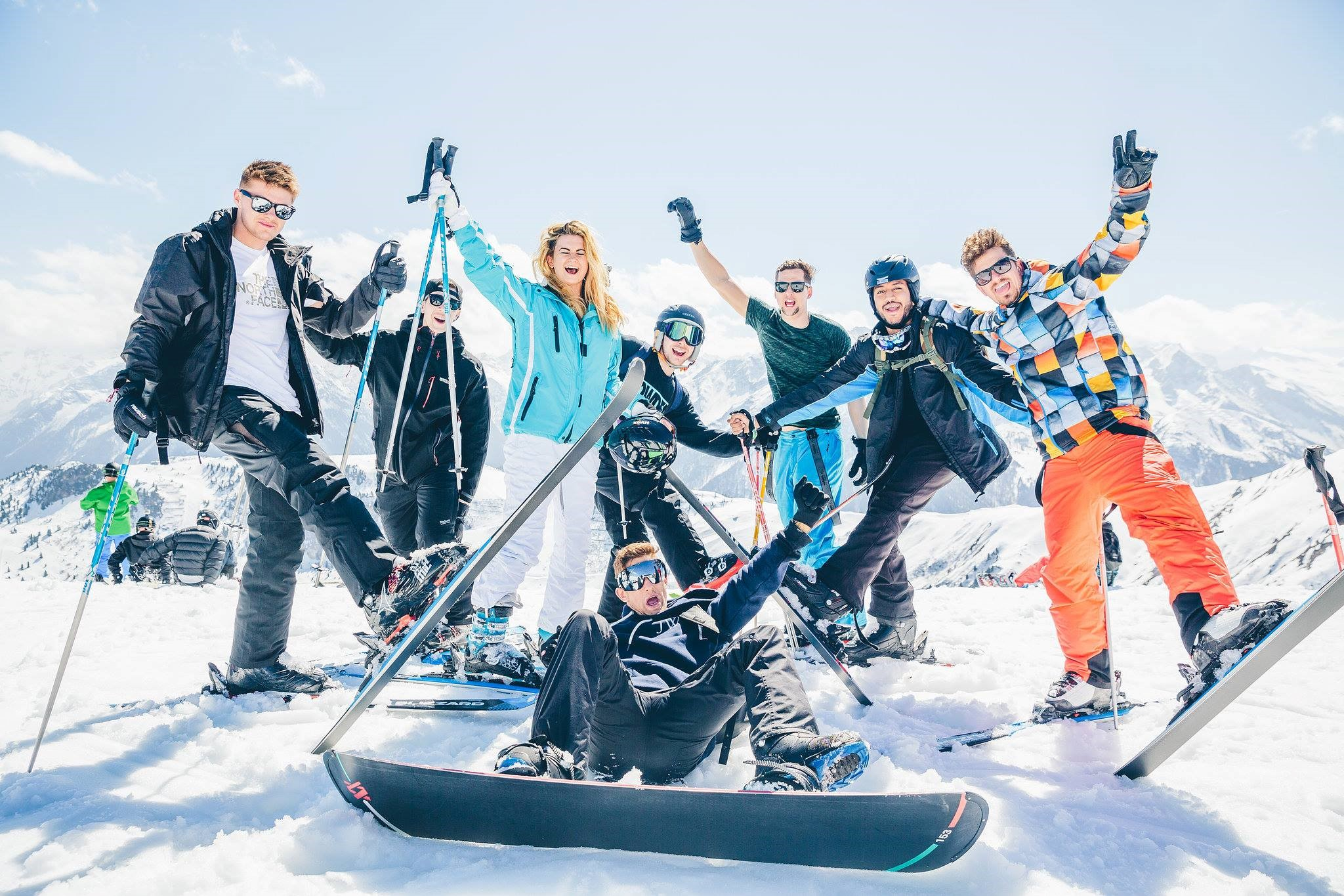 SKI SAFARI# samen cruisen met de monitoren verkleed als party animal