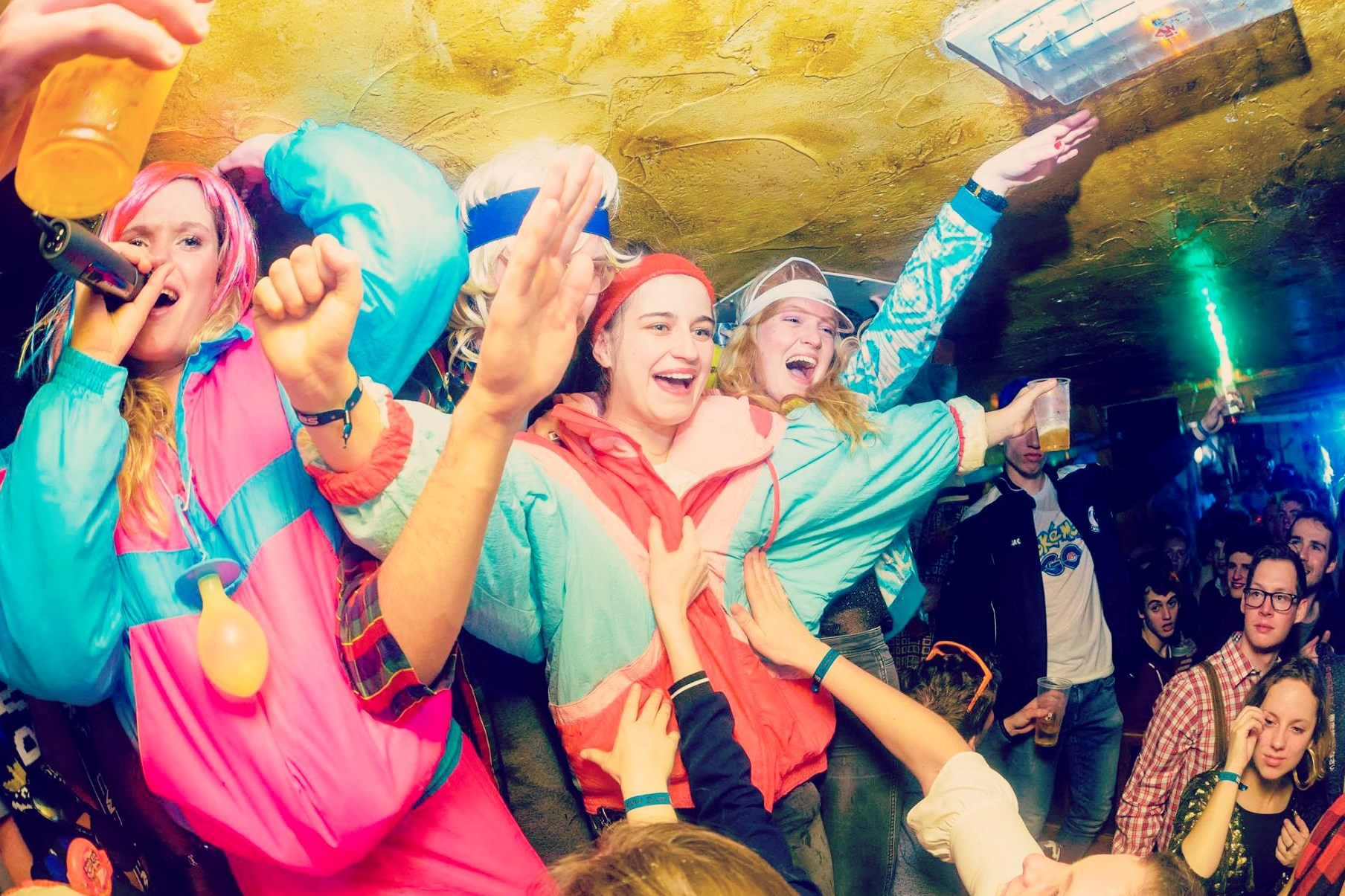 PARTIES #geheimzinnige feesten op geheimzinnige plaatsen