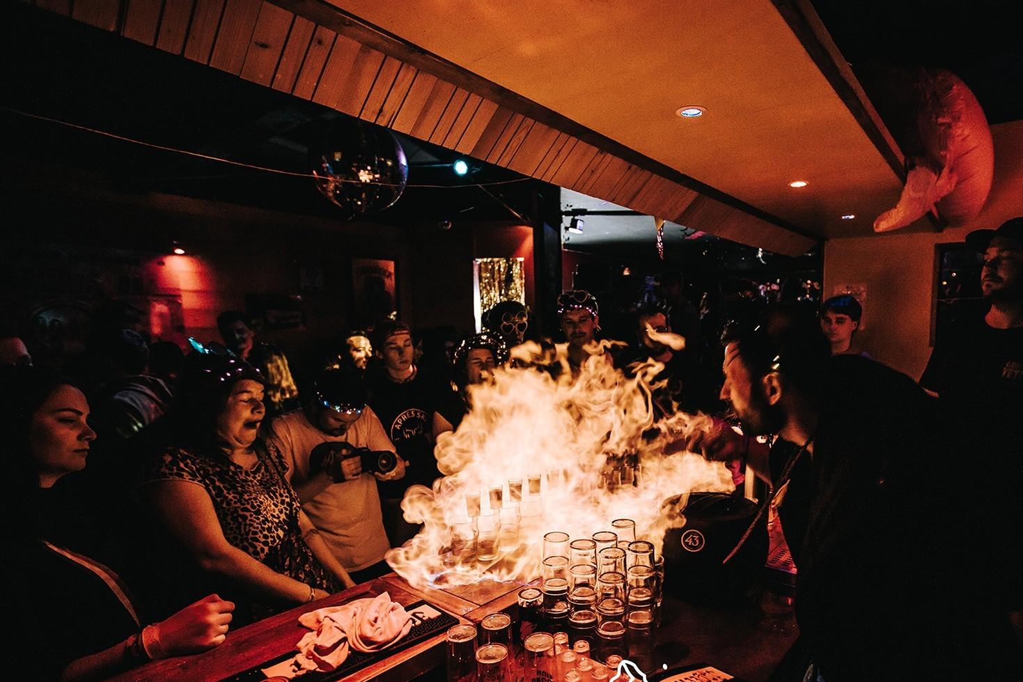 Chez Boubou#Misschien wel de beste en gezelligste bar van Les Arcs