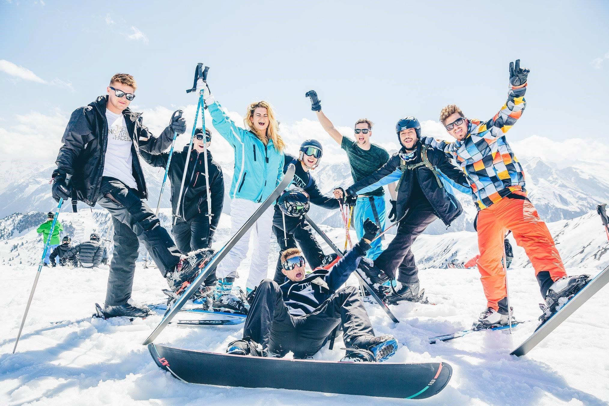 SKIEN EN SNOWBOARDEN#Scheuren over de pistes met de wind in de haren