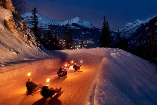 FAKKELTOCHT# Unieke, gezellige en memorabele afdaling in de Franse Alpen