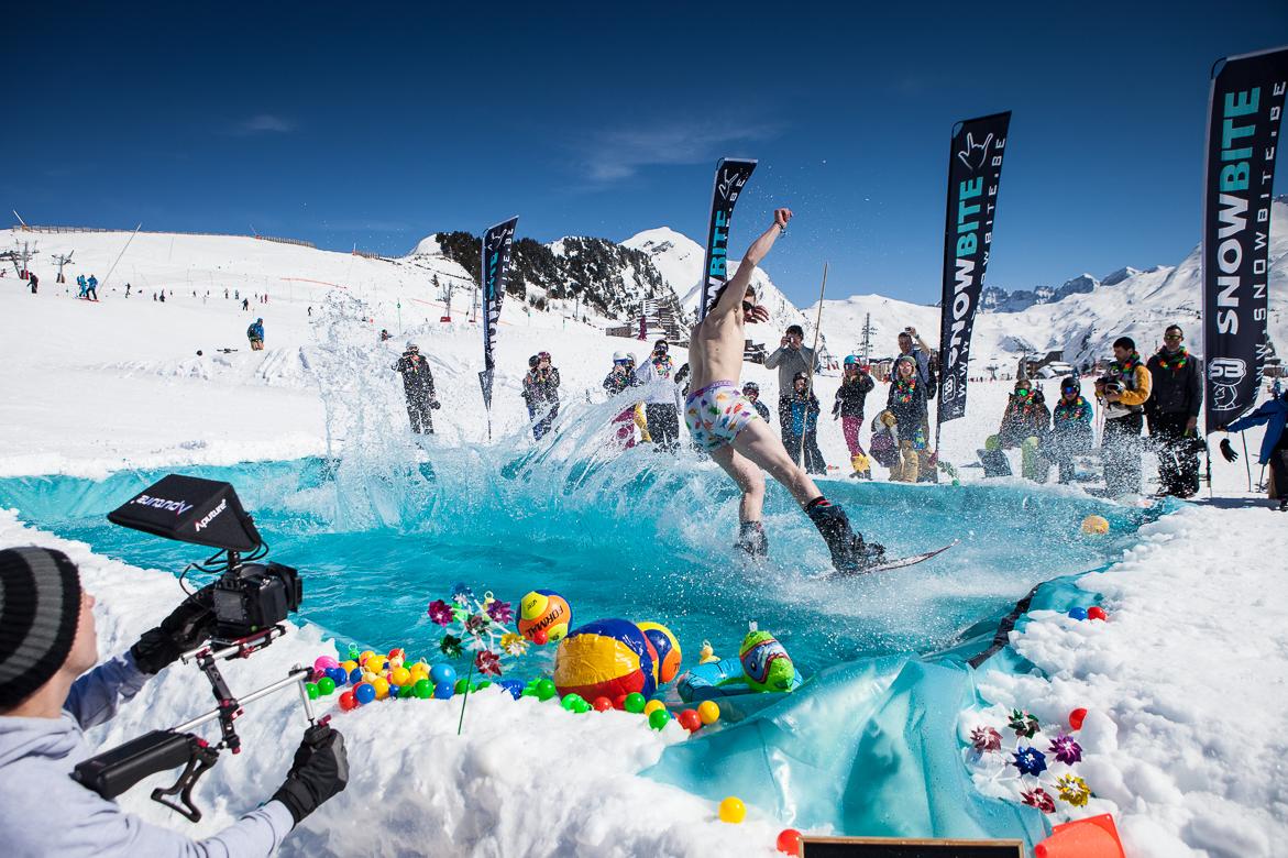 SnowClash Splash# Splash,flip en glij zoals je nog nooit gedaan hebt op onze tropical pool in de bergen, durf jij het aan?