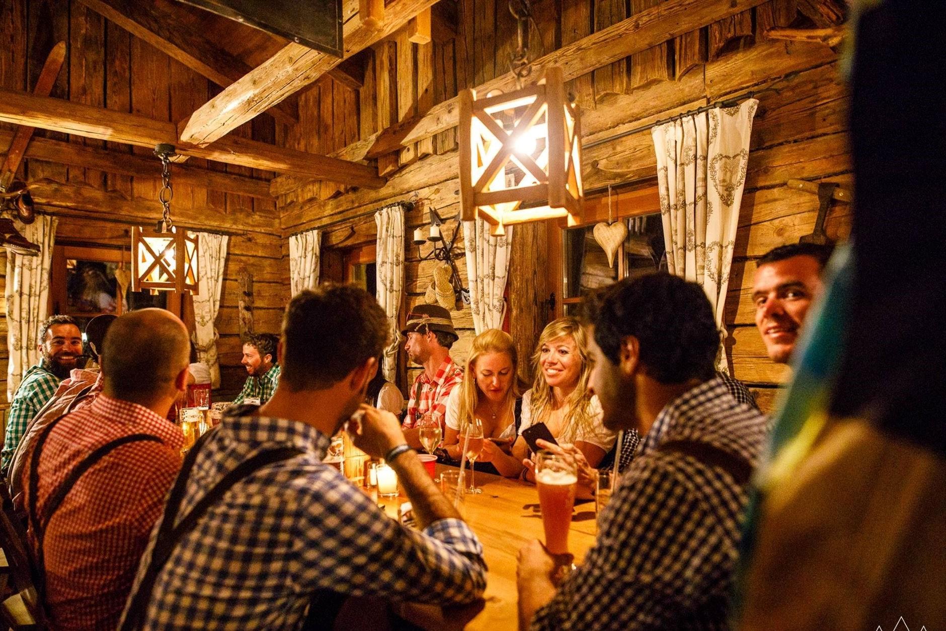 GEZELLIG TAFELEN#Traditioneel tafelen met jouw collega's